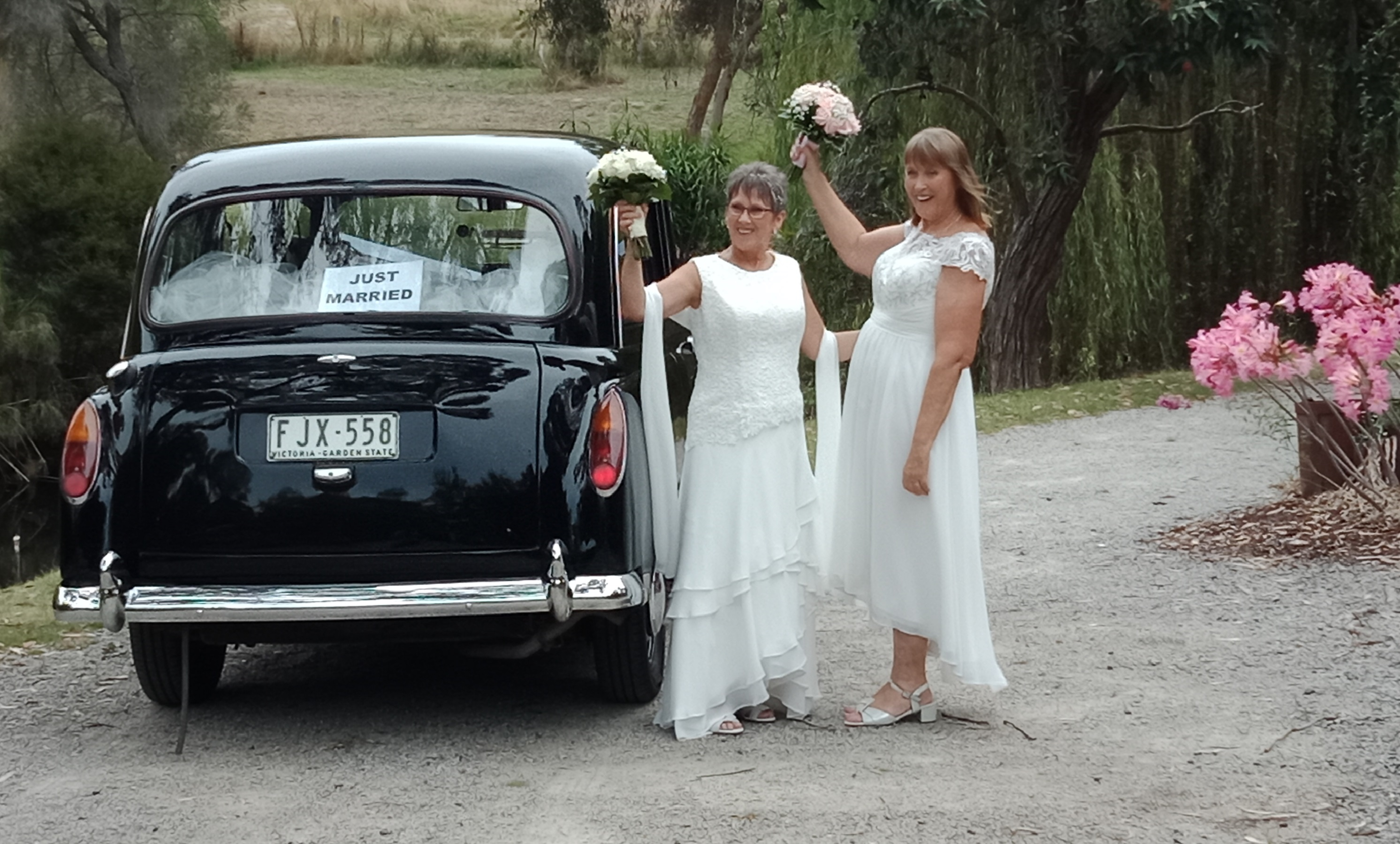 london taxi wedding servies Melbourne wendy